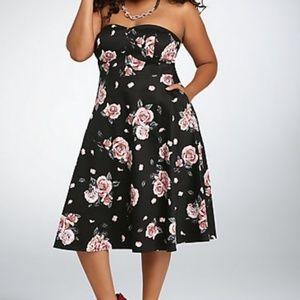 Torrid Black/ Pink Floral Strapless Swing Dress
